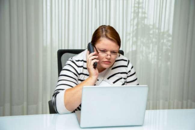 <p>Alto nível de estresse e muito tempo sentado estão entre as causas</p>