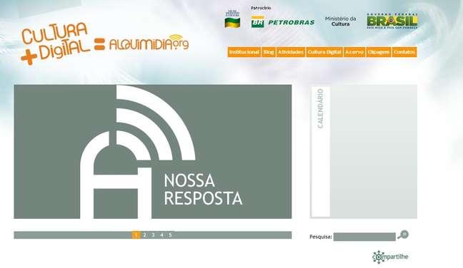 O responsável pelo domínio do site do Movimento Passe Livre é Thiago Skárnio, diretor da ONG Alquimídia, patrocinada pelo Ministério da Cultura e Petrobras