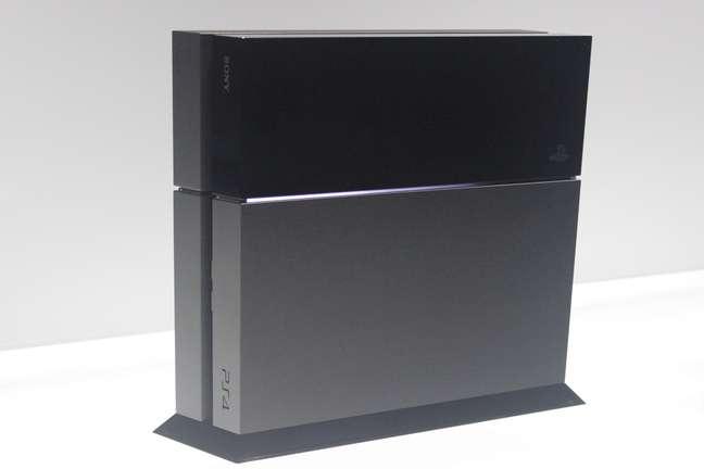 <p>O PlayStation 4 custará R$ 3.999</p>