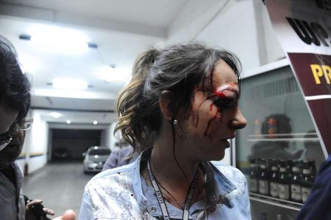 <p>Ação da Polícia Militar deixou dezenas de feridos, incluindo jornalistas como arepórter Giuliana Vallone, atingida no olho por uma bala de borracha</p>