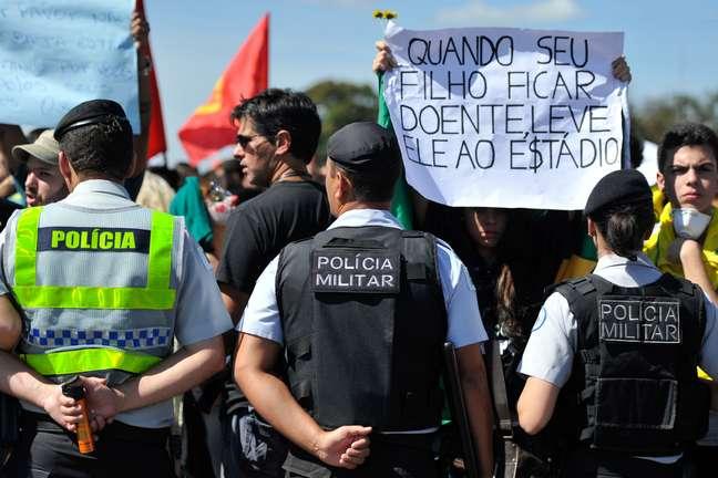 """<p>Imprensa destacouque protestos de sábadofazem parte da""""insatisfação crescente"""" no Brasil</p>"""