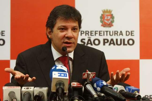 <p>Prefeito de São Paulo volta atrás e anuncia a redução da tarifa de ônibus na capital</p>