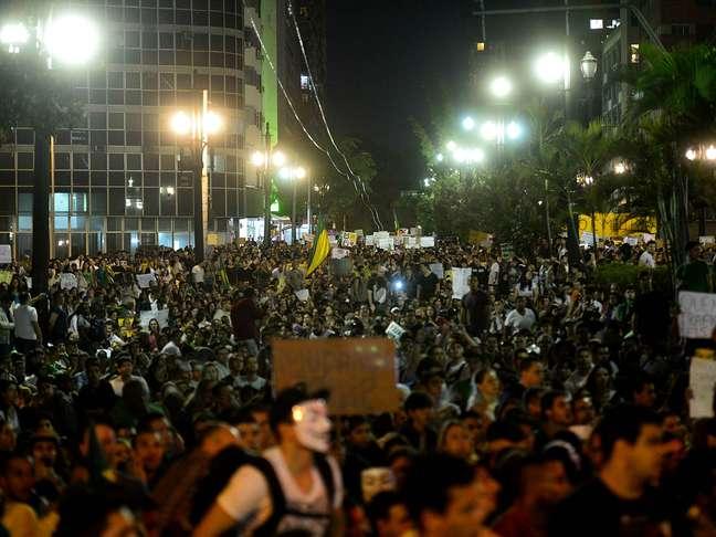 <p>Manifestantes vão às ruas de São Paulo em protestocontra a PEC 37</p>