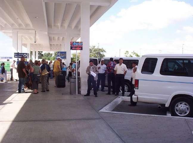 Ao alugar um carro em Cancún, peça à locadora o tarjetón turístico, que releva as duas primeiras infrações cometidas pelo visitante