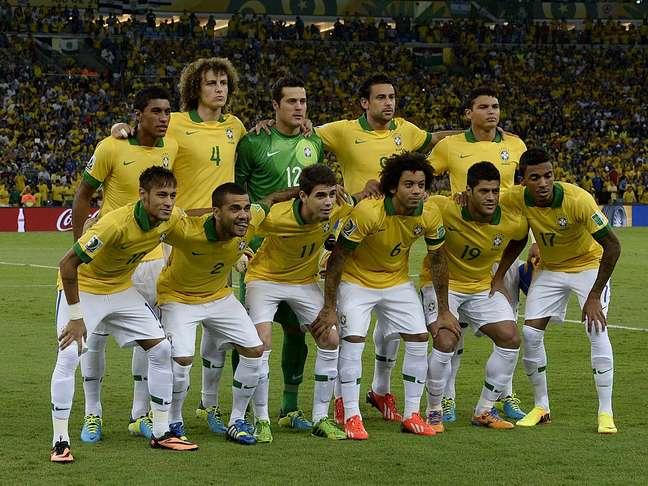 Jogadores brasileiro posam para foto antes da final contra a Espanha