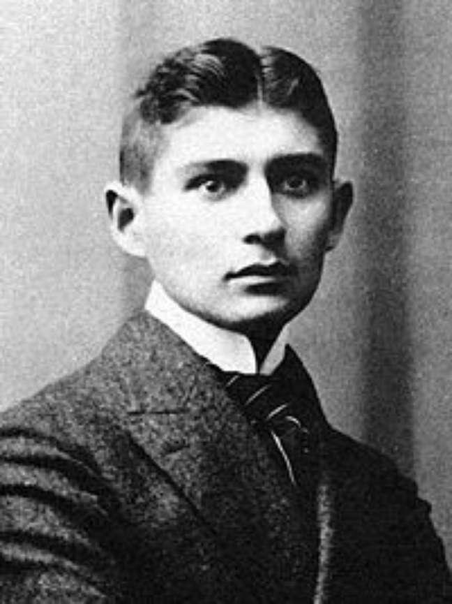 <p>Franz Kafka não tinha uma boa relação com o pai</p>