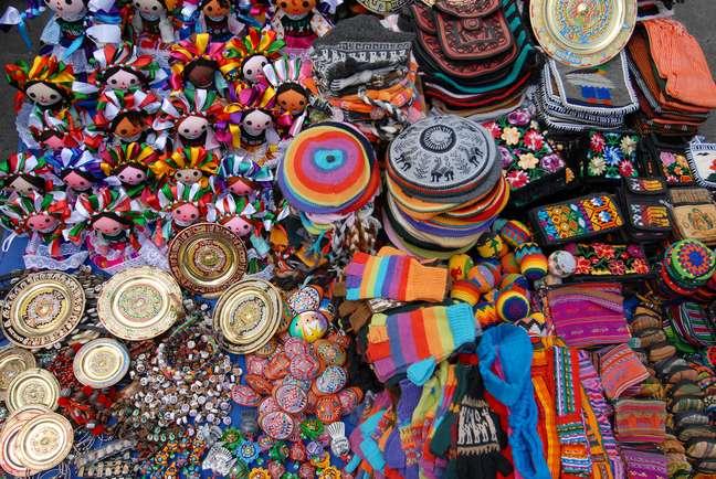 Nas ruas da Cidade do México é possível encontrar de tudo, desde marcas internacionais famosas até peças típicas do artesanato local