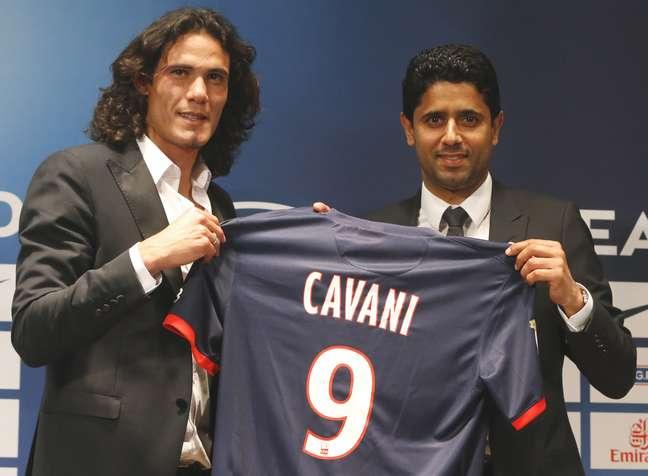 <p>Dono do PSG já gastou R$ 190 milhões para contratar Edinson Cavani nesta temporada</p>