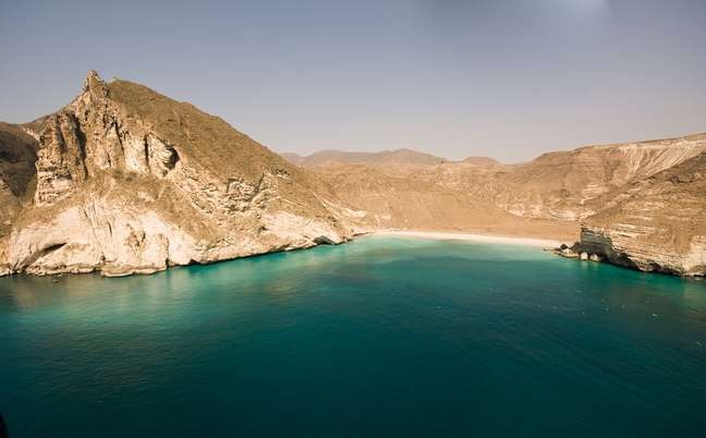 <p>Praias do Oriente Médio misturam beleza e história</p>