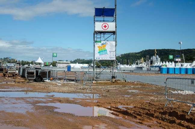 <p>Estrutura montada no Campus Fidei, em Guaratiba, durante a Jornada Mundial da Juventude, não foi suficiente para conter chuva</p>