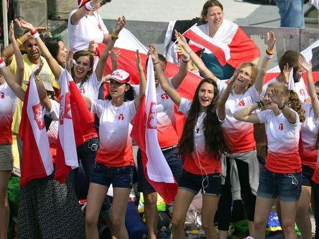 <p>Peregrinos poloneses comemoram confirma&ccedil;&atilde;o de Crac&oacute;via como sede da JMJ de 2016</p>
