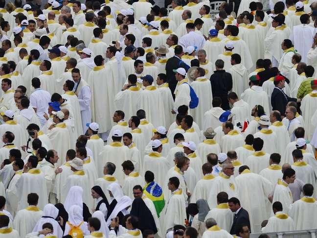 Cerca de 8 mil padres terão a oportunidade praticamente única de participar de uma missa aos pés do papa Francisco
