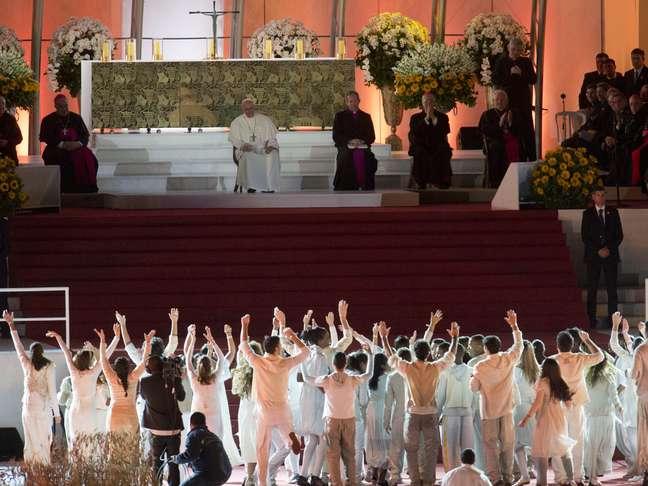 <p>Neste sábado, o Papa participou de vigília com 3 milhões de fiéis em Copacabana</p>