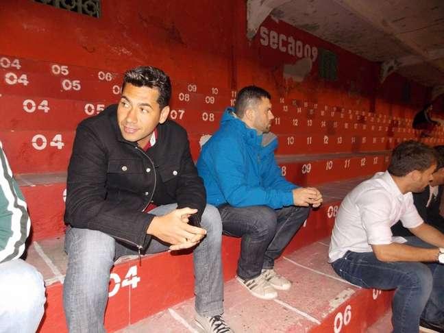 <p>Lesionado, atacante Rodrigão ainda não pôde estrear pela Portuguesa Santista; jogador já pensa em virar agente após encerrar a carreira</p>