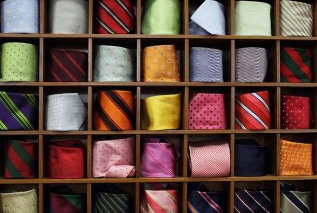Os acessórios, como gravatas, carteiras e cintos, também aparecem na lista, com 1% de intenção de compra. De acordo com a pesquisa, 77% das pessoas deixam para comprar o presente na semana que antecede a data