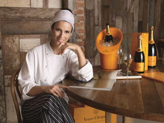 <p>Helena Rizzo descobriu sua paixão pela culinária aos 14 anos e desde então tem trabalhado para descobrir e dominar novas técnicas e sabores</p>