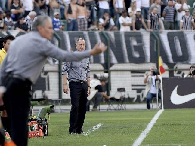 <p>Ex-técnico do Corinthians, Mano não conseguiu fazer seu time jogar</p>