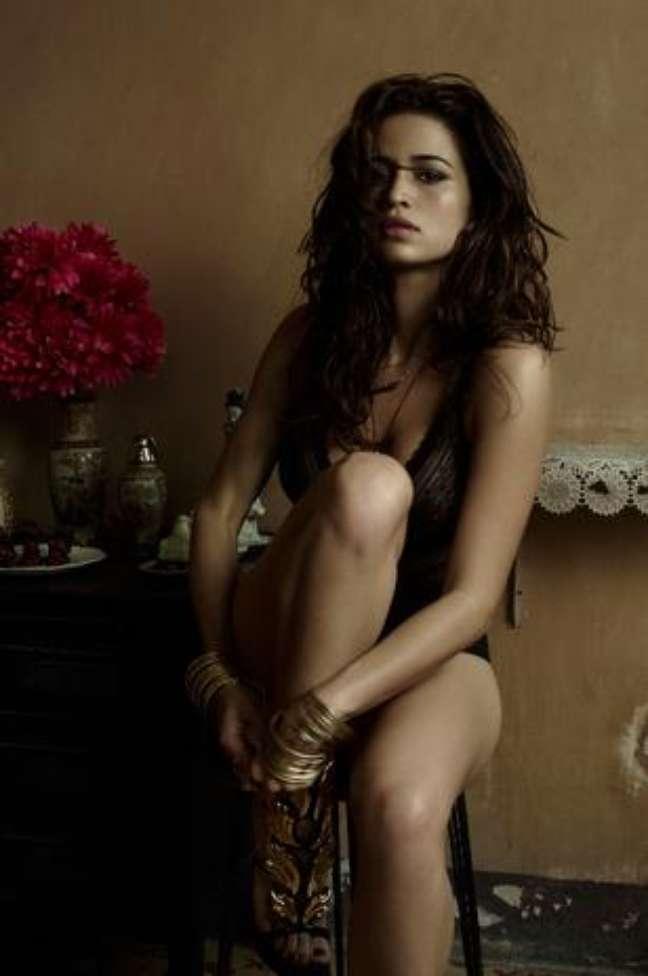 <p>Na revista <em>Playboy</em>, a atriz aparece com uma mulher cubana e, para ela, a depilação tinha a ver com o contexto</p>