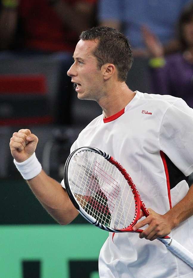 <p>Em casa, alemão colocou equipe em vantagem na briga por vaga no Grupo Mundial da Copa Davis</p>