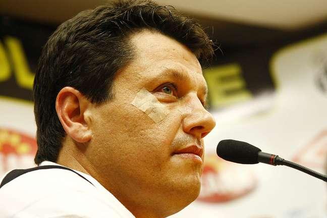 <p>Treinador chega a São Januário para ocupar a vaga de Dorival Júnior, demitido na segunda-feira</p>