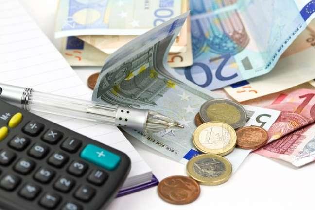 Segundo últimos dados do BC, um total de US$ 281 bilhões foram aplicados por brasileiros no exterior em 2011