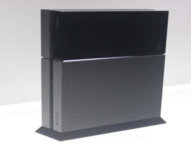 O PlayStation 4 custará R$ 3.999