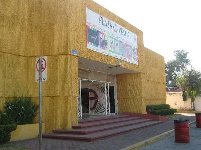 Centro comercial reúne mais de 120 lojas que vendem roupas feitas por produtores locais