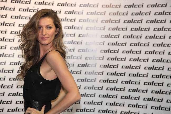 <p>Gisele estava fora das passarelas brasileiras desde 2011, mas já foi estrela da Colcci em várias coleções</p><p></p>