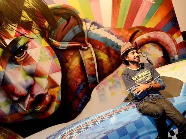 <p>Ap&oacute;s cerca de 30 horas trabalhando em uma pintura 3D dentro de uma estrutura montada no Parque Villa-Lobos para receber o SPFW inverno 2014, o grafiteiro Eduardo Kobra afirmou ter ficado surpreso com o resultado</p>