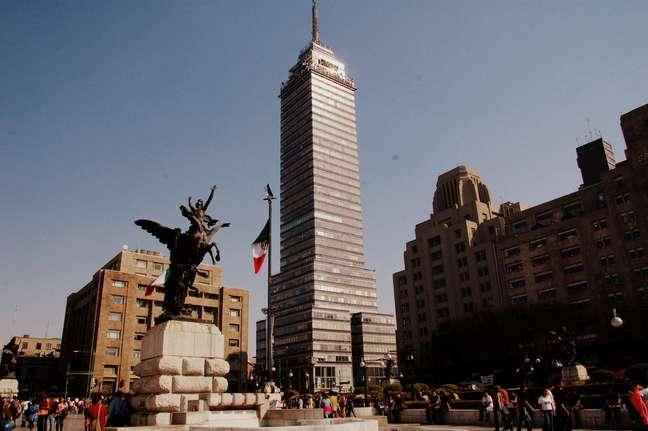 Com uma localização privilegiada, a Torre Latinoamericana conta com uma das mais belas vistas da Cidade do México