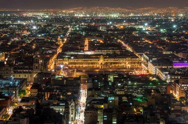 A Torre Latinoamericana proporciona uma vista impressionante da capital mexicana