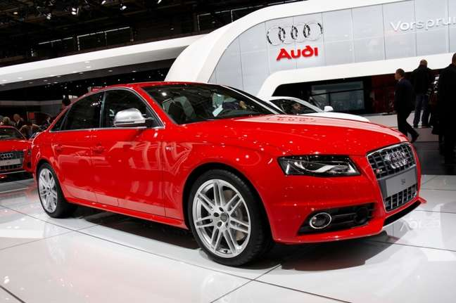 A marca Audi vendeu 5.523 carros. Um crescimento de 46,5% em relação ao ano passado. (Na foto Audi S4)