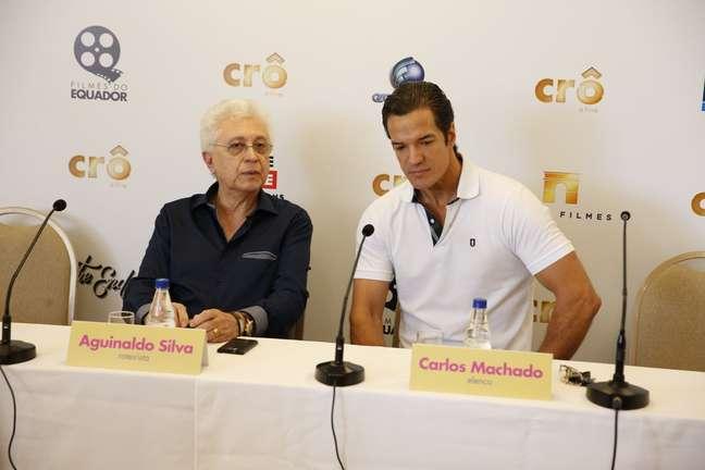 <p>Na foto, Aguinaldo Silva divulga 'Crô - O Filme' ao lado do ator Carlos Machado</p>
