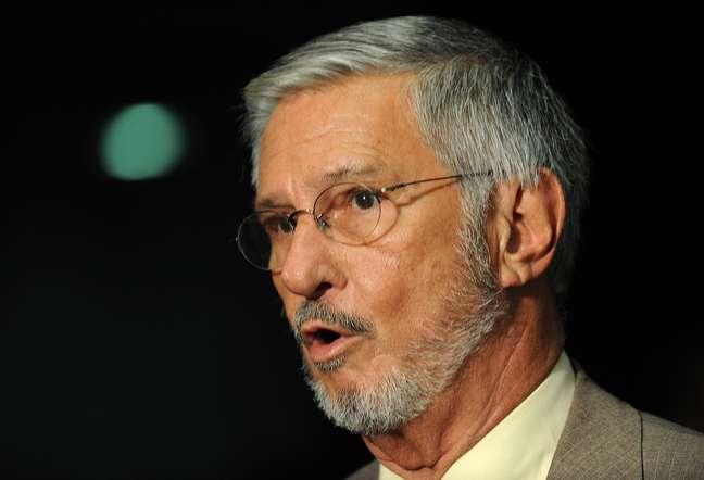Deputado Ibsen Pinheiro cassado durante o escândalo, mas comprovou sua inocência