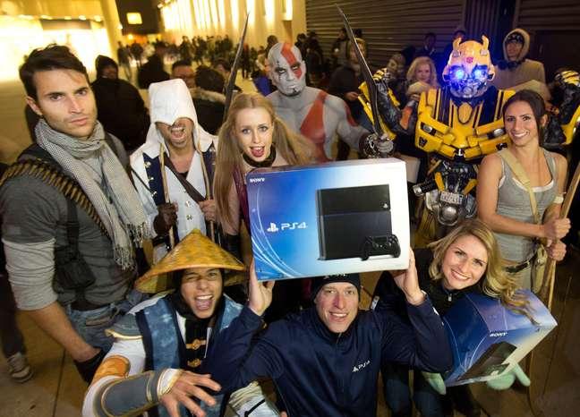 <p>Playstation 4 é novo console da Sony</p>