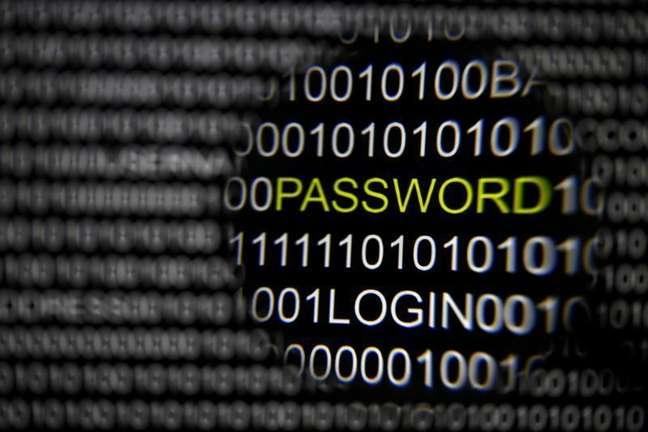 <p>O prejuízo com os crimes cibernéticos no Brasil equivale a 0,32% do PIB ou quase dois terços do lucro da Petrobrás em 2013</p>