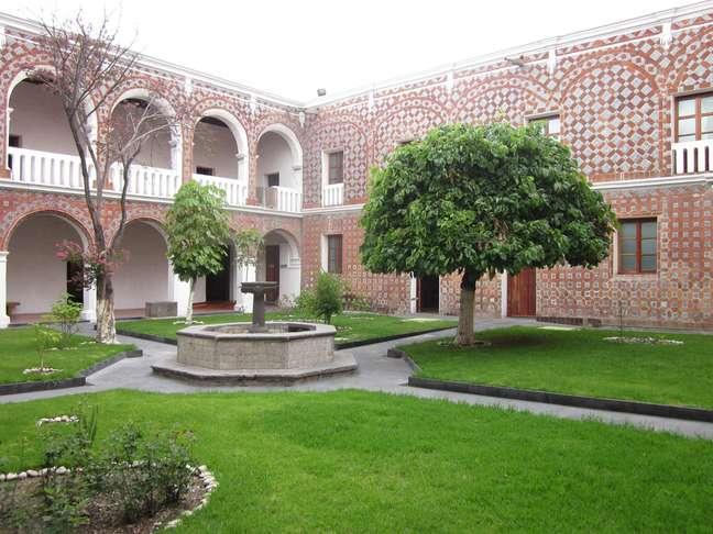Se você quer conhecer um pouco do dia a dia das freiras durante o período colonial mexicano, o lugar certo para visitar é o Museu de Arte Religiosa de Santa Mônica, em Puebla