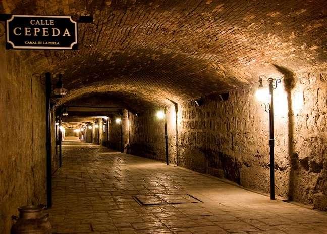 Construído em 1893, o Canal de La Perla ficou esquecido por autoridades locais e população até 2003, quando foi redescoberto acidentalmente