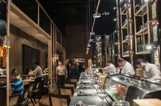 Considerado o segundo melhor restaurante de Santiago, casa reúne ceviches e temakis em seu cardápio