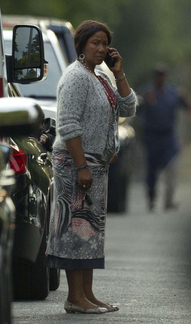 Makaziwe em frente à casa de seu pai em Johanesburgo na última sexta-feira