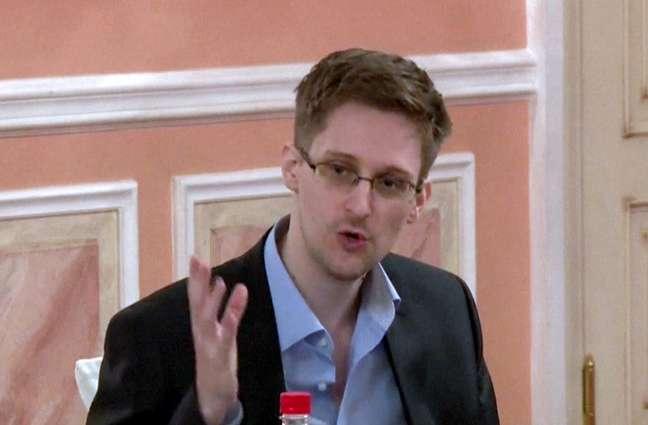 <p>Edward Snowden escreveu uma carta aberta para pedir asilo político ao governo brasileiro</p>