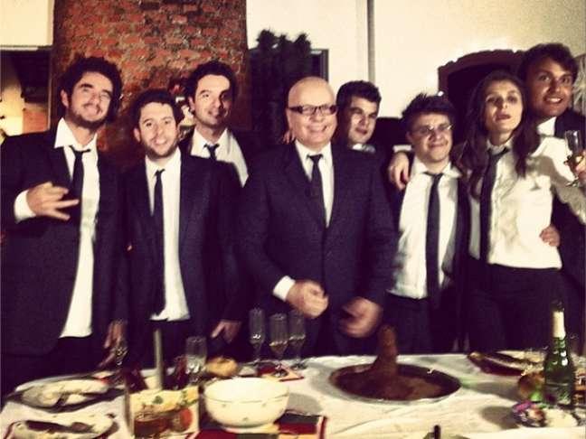 <p>Felipe Andreoli desejou boa sorte &agrave; colega ao postar uma foto da equipe em seu Instagram</p>