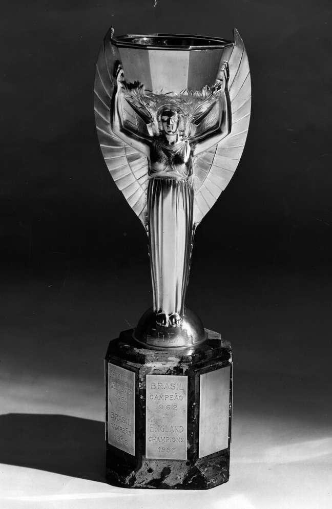 Taça Jules Rimet ficou definitivamente sob posse do Brasil em 1970