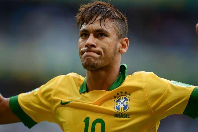 Brasileiros que queiram torcer na próxima Copa vestindo a camisa oficial da seleção podem comprar o produto, na versão para torcedor, por R$ 229. A camisa idêntica a utilizada pelos jogadores é mais cara: R$ 349,90