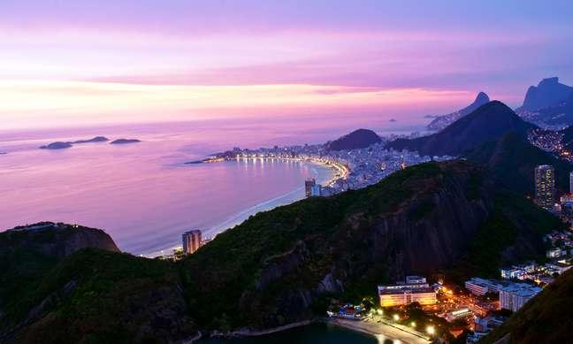 Segundo dados do Banco Central, o número de turistas estrangeiros no Brasil cresce desde 2011, assim como a renda obtida nessas viagens