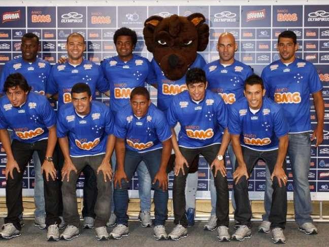 <p>Campeão brasileiro, Cruzeiro é um dos poucos clubes sem dívidas com elenco</p>