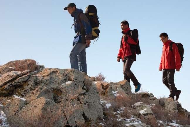 Em algumas montanhas é possível que o turista alugue equipamentos de escalada, embora as agências recomendem que seja levado um equipamento próprio