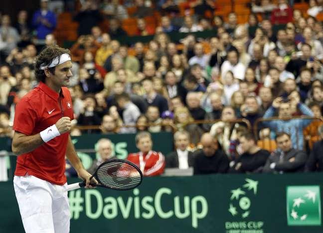 <p>Federer não encontrou muitas dificuldades para dar o primeiro ponto à Suíça em duelo contra Sérvia</p>
