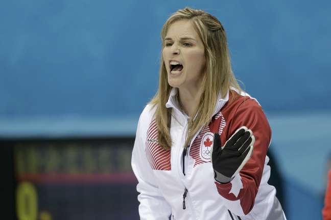 <p>Jennifer Jones liderou o Canadá no curling</p>