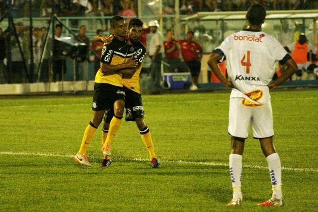 Cícero fez o gol de honra do Santos no primeiro tempo